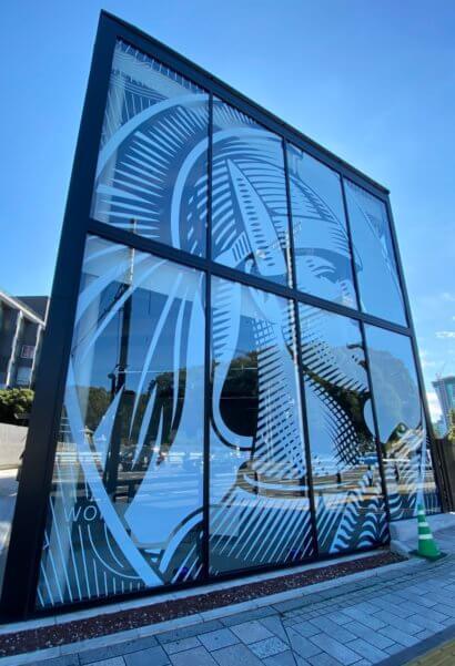 アメックスの東京離宮ラウンジの建物に描かれたセンチュリオン