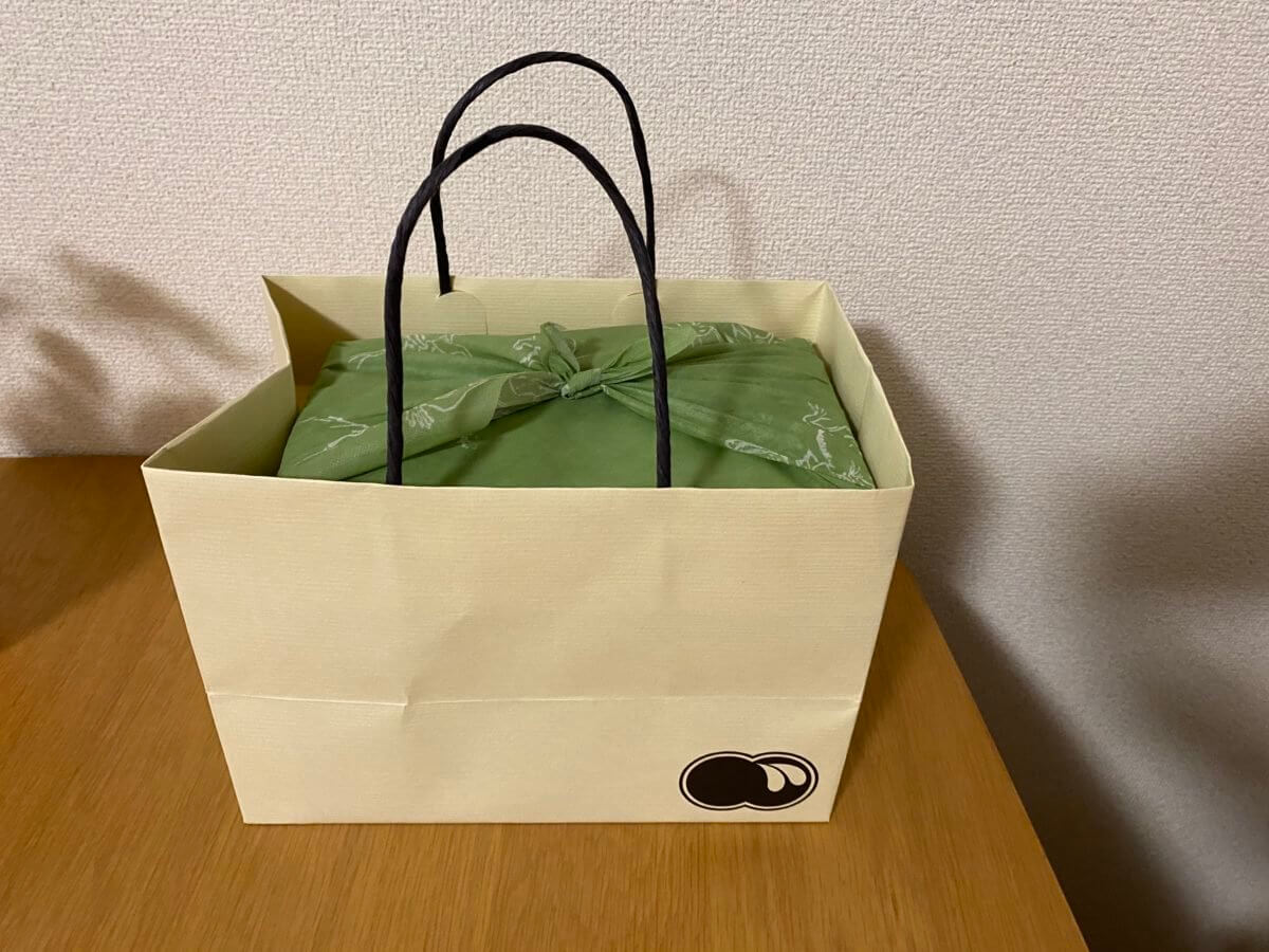 おうち de KIWAMIで購入したくろぎのお弁当の紙袋