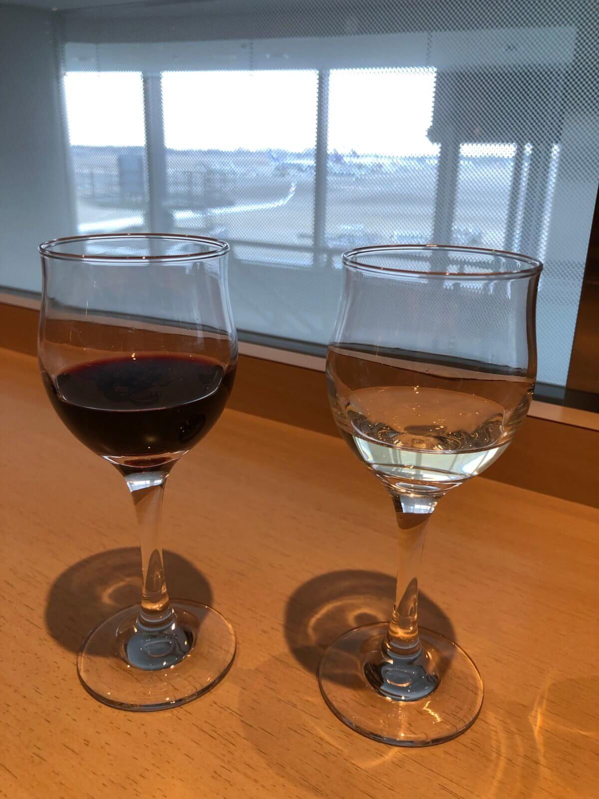 デルタスカイクラブの赤白ワイン