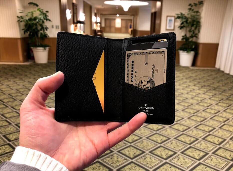 アメックスプラチナを入れたカードケース